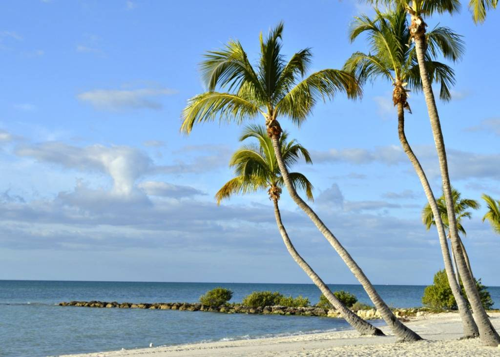 55 Vacation Planning Florida Keys Hot Spots | Travel Ideas | Traveling To Paradise | Paradise In The US | Florida Keys Travel Guide | Key West Florida Vacation | Vacation Ideas | theMRSingLink