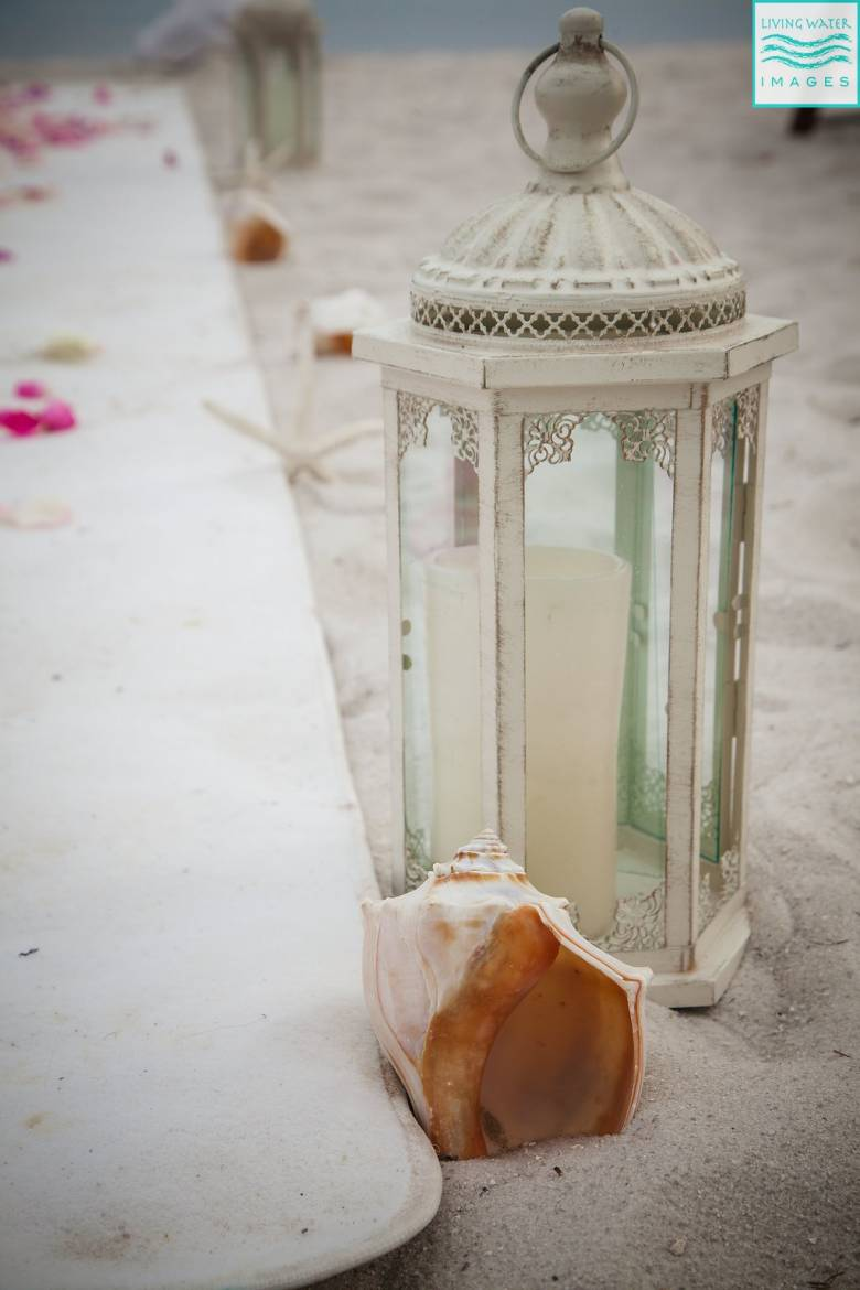 DIY Beach Wedding Centerpieces and Decor [A Chic Mermaid Wedding]