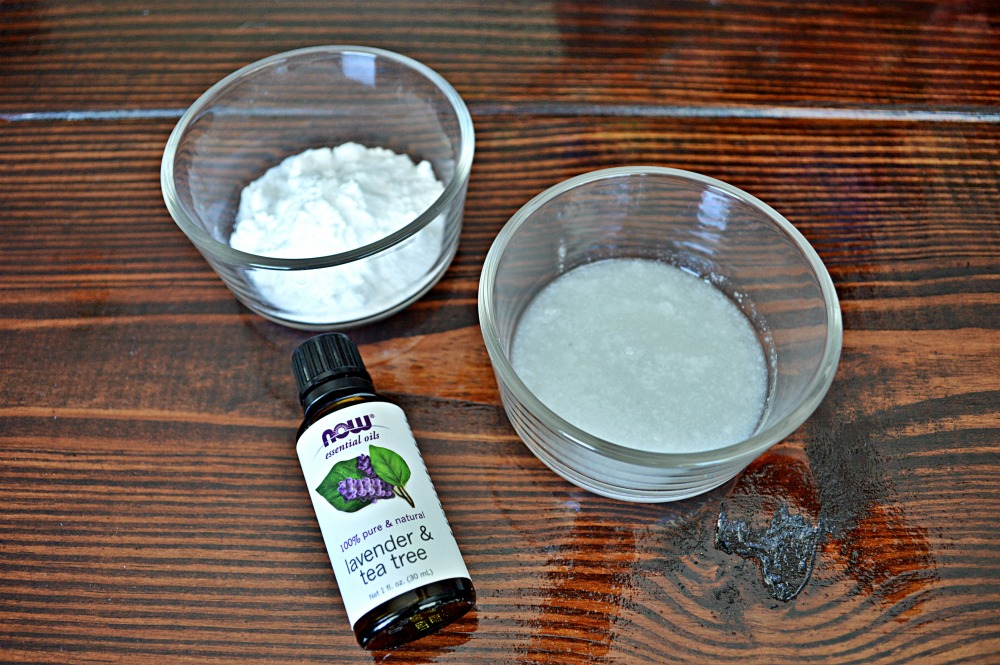 Simple All Natural DIY Toxin Free Deodorant | DIY Recipes | DIY beauty hacks | DIY deodorant | All Natural Beauty Products | Homemade Deodorant | theMRSingLink