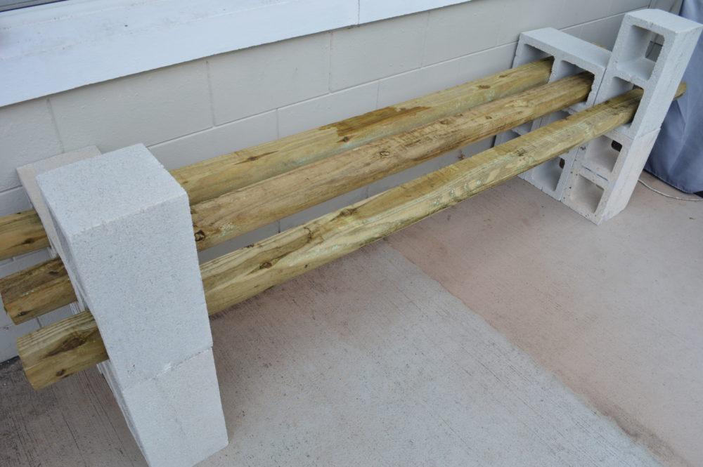 simple diy cinder block outdoor bench under 100 themrsinglink