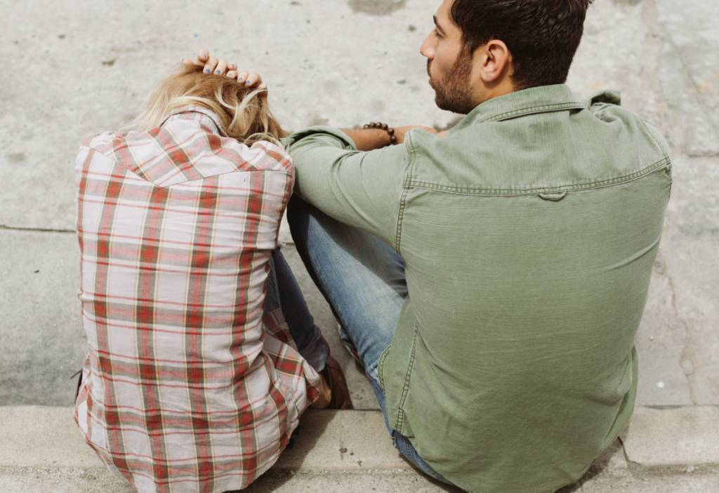8 Step Process In Resolving Conflict With Your Spouse | Conflict In Relationships | Conflict In Marriage | Communication In Conflict | Relationship Tips | Love Advice | theMRSingLink