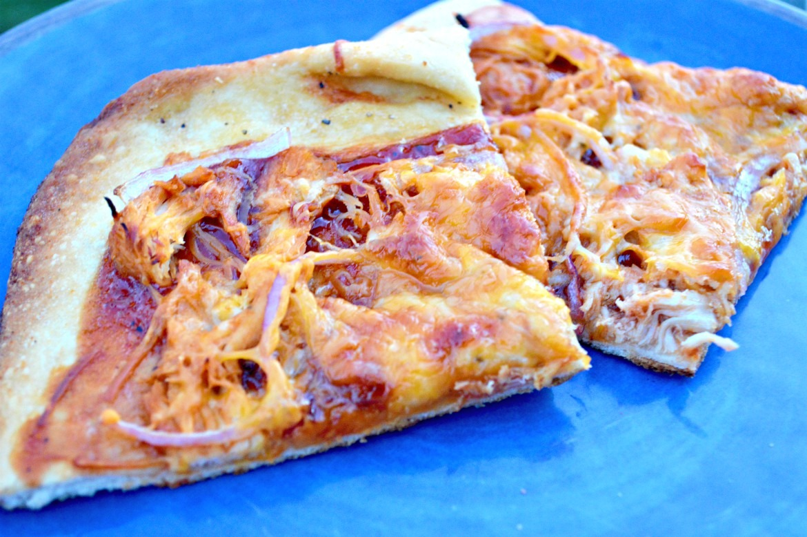 Crispy BBQ Chicken Flatbread + Fail-Proof Dough Recipe | Flatbread Recipes | Pizza Recipes | Easy Dough Recipes | Homemade Dough Recipes | Scratch Recipes | Easy Dinner Recipes | Delicious Recipes | theMRSingLink